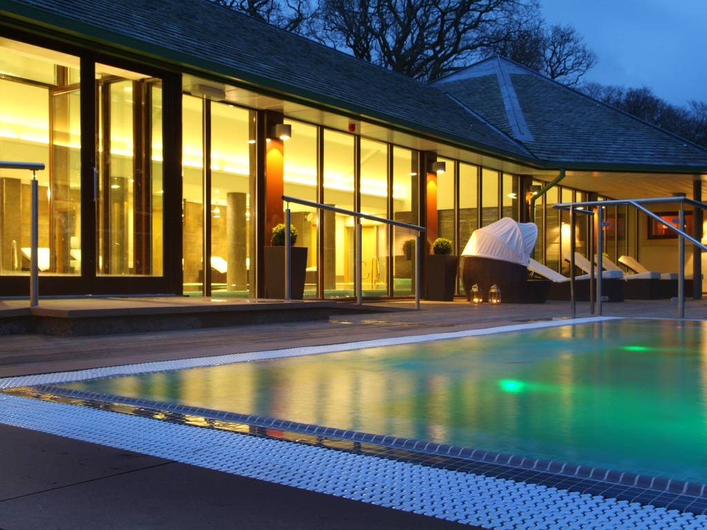 Armathwaite hall hotel in cumbria the lakes and for Luxury hotel breaks