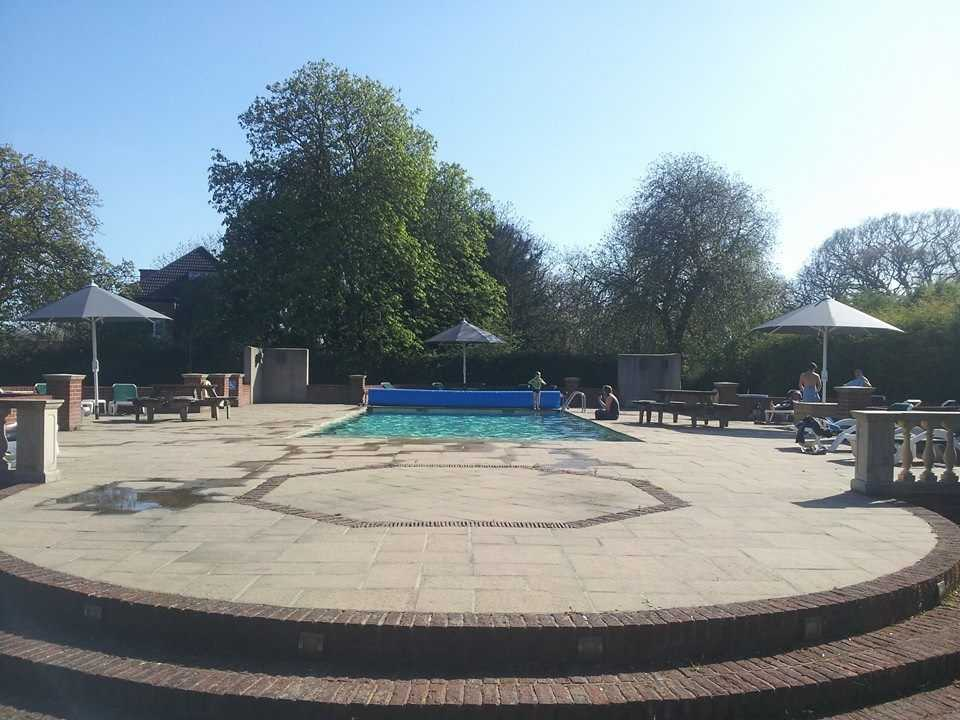 Balmer lawn hotel in hampshire berkshire and new forest - Hotels in brockenhurst with swimming pools ...