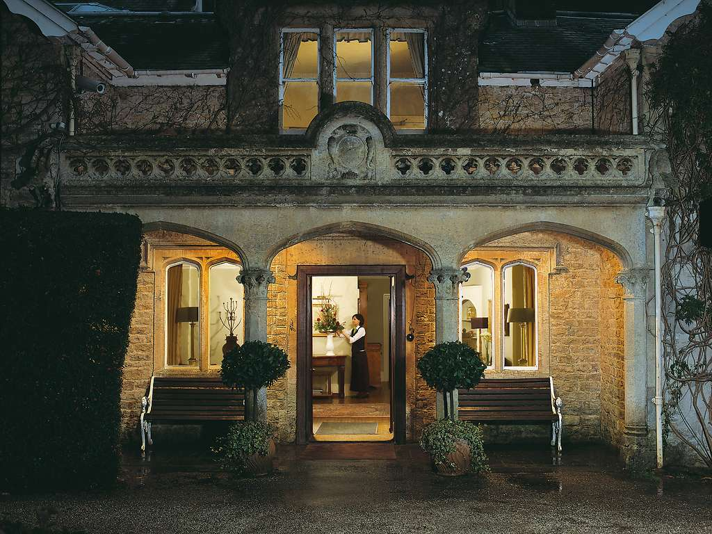 Homewood park hotel spa in bath and country luxury for Luxury hotel breaks