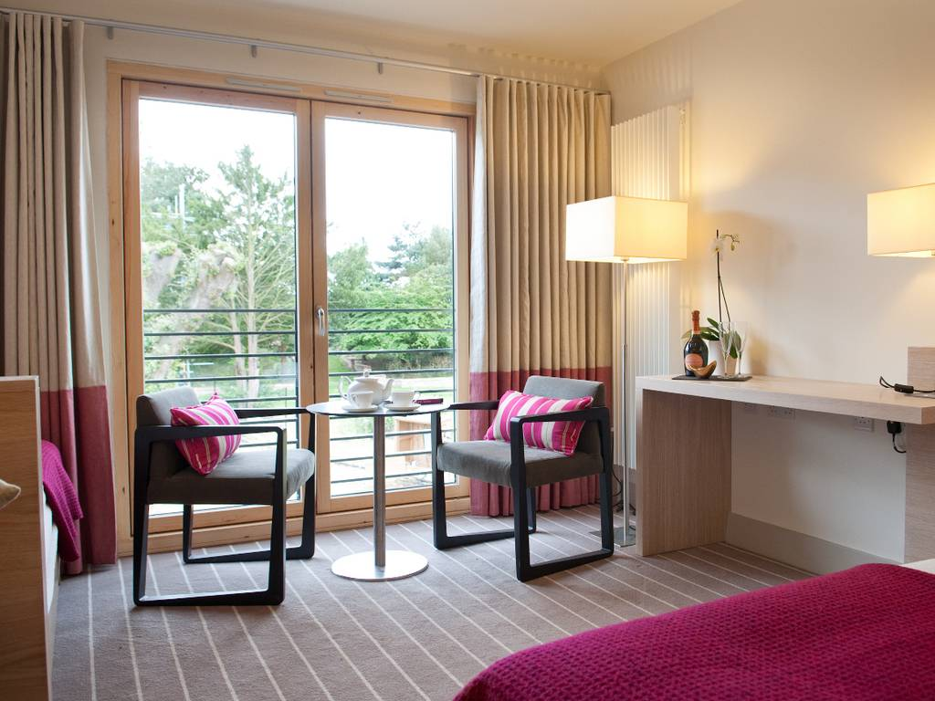 Lifehouse Spa Amp Hotel Room And Bedroom Information