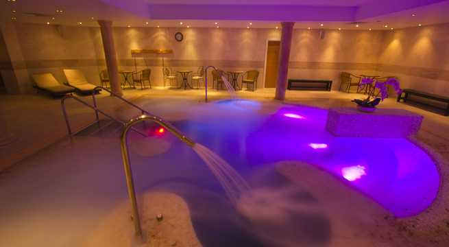 Lion Quays Spa spa, Lion Quays Waterside Resort