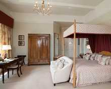 State Deluxe room, Llangoed Hall Hotel