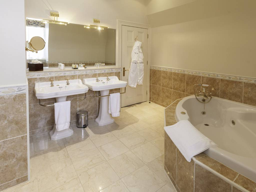 Luton Hoo Hotel Golf Amp Spa Room And Bedroom Information