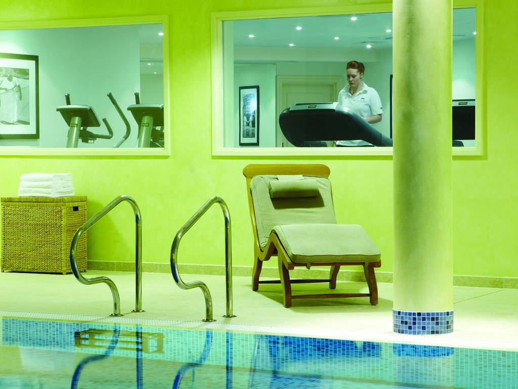 Luton hoo hotel golf spa spa facilities information and booking details for Hotels in luton with swimming pool