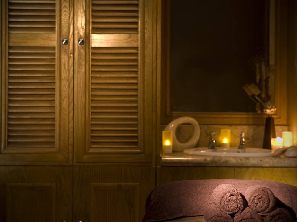 Hotel Foyer Spa : New hall hotel spa facilities information and