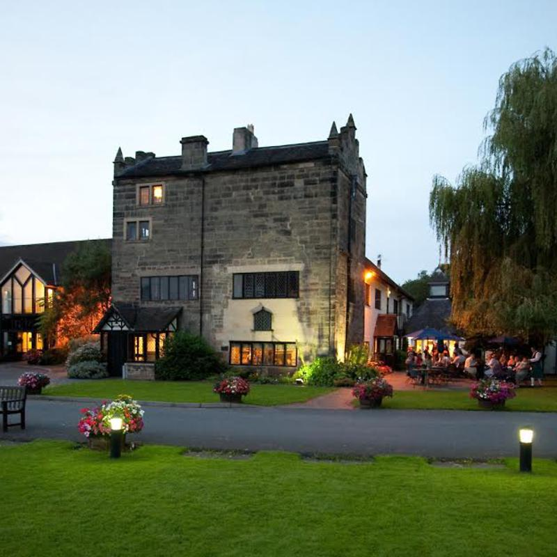 Priest house hotel in central england and castle for Luxury hotel breaks
