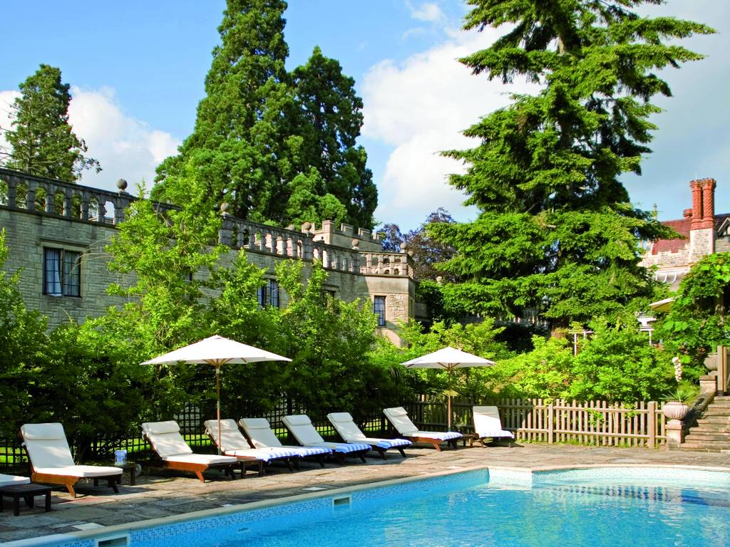 Rhinefield house hotel in hampshire berkshire and new for Modern luxury hotels uk