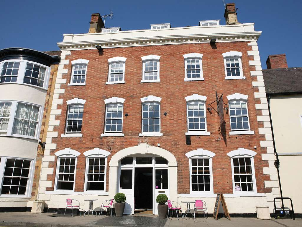The george hotel in central england and shipston on stour for Best boutique hotels east anglia