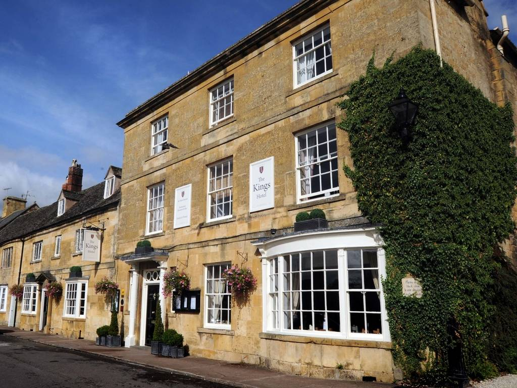 The kings hotel in cotswolds and chipping campden luxury for Luxury hotel breaks