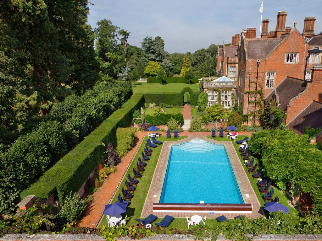 Tylney Hall Gallery Photographs And Images Of The Hotel Grounds Restaurant And Surroundings