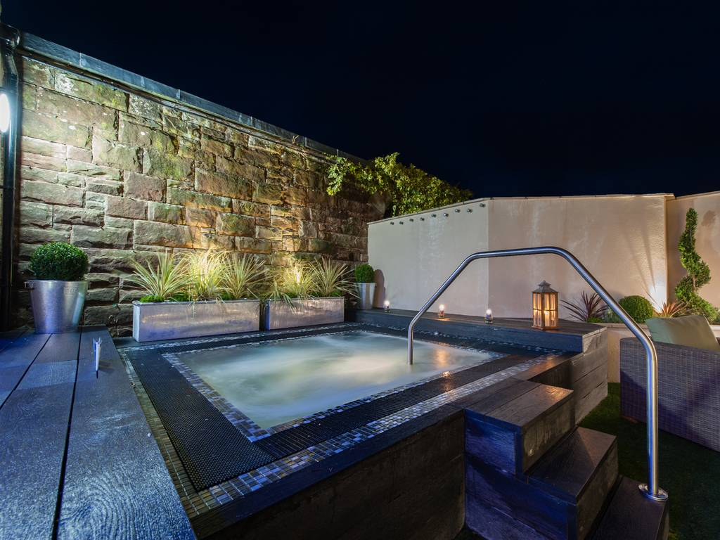 Hotels In Ayrshire With Hot Tub In Room