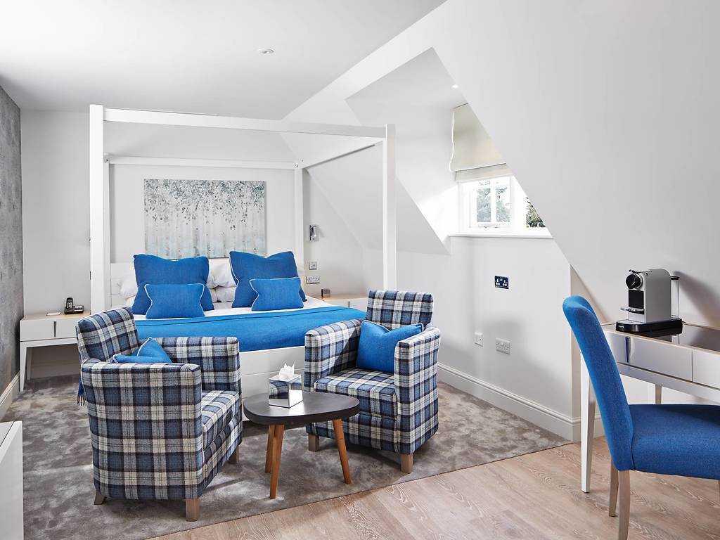 Splendid Super King room, Barnett Hill Hotel