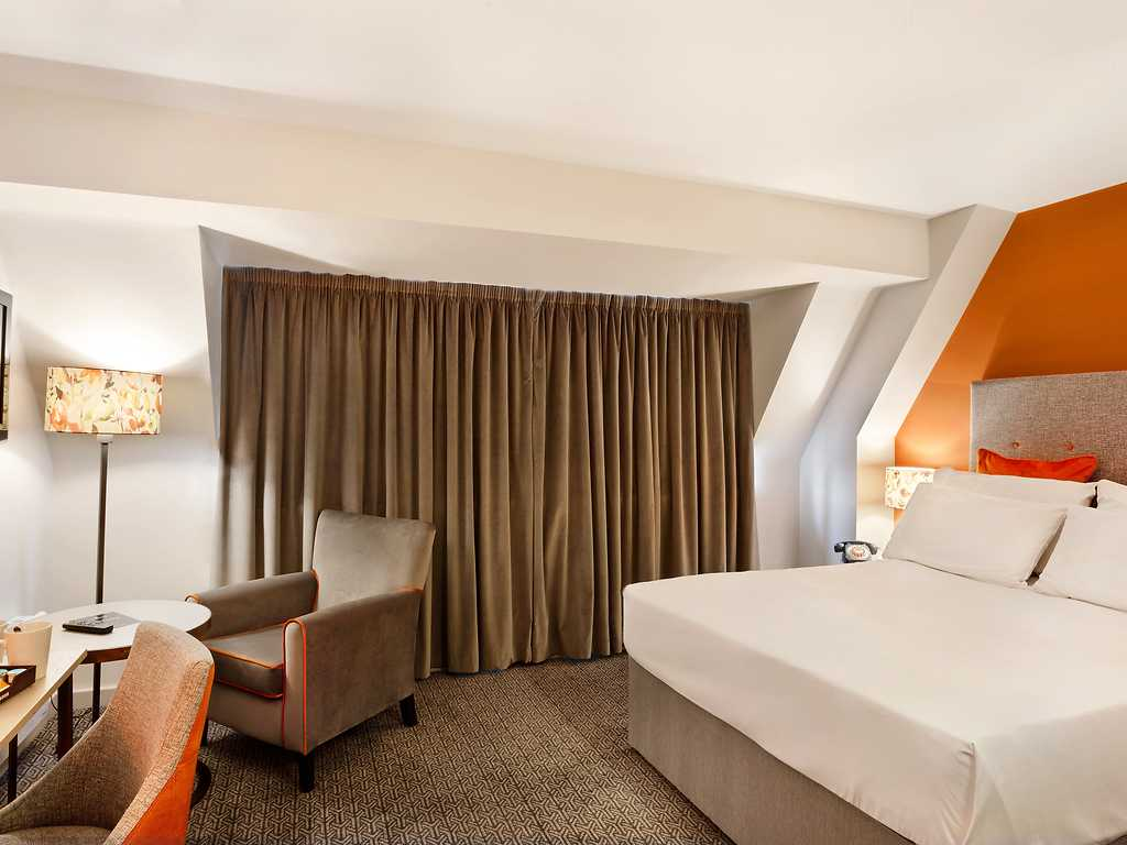 Standard room, Cedar Court Hotel
