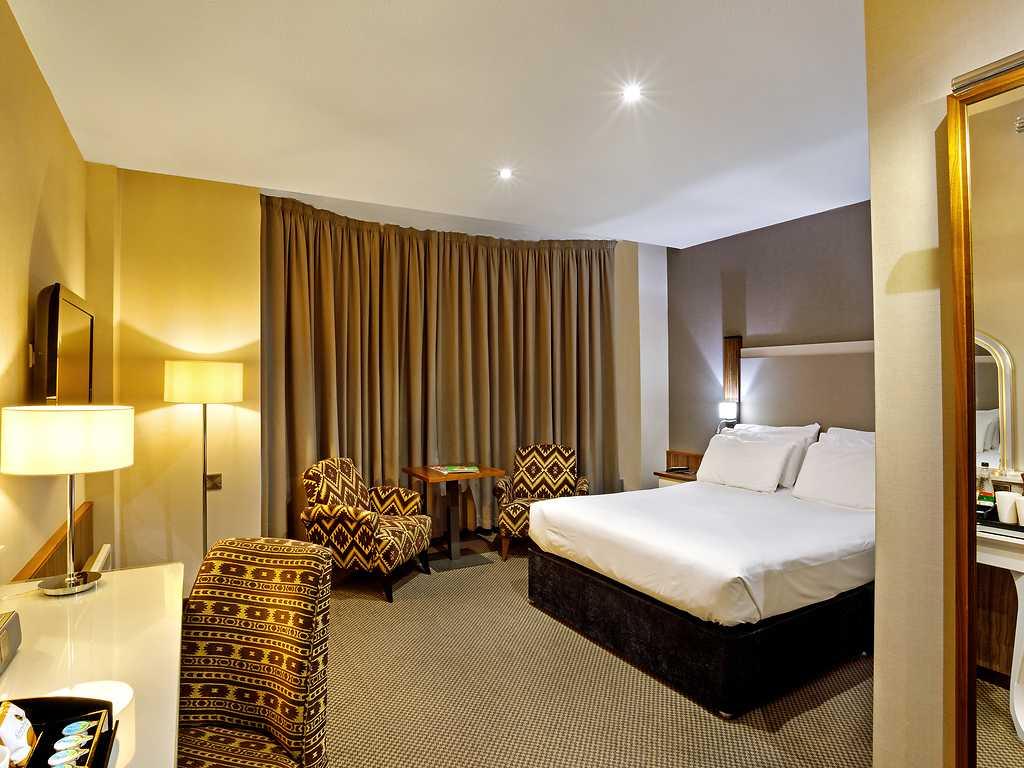 Executive room, Cedar Court Hotel