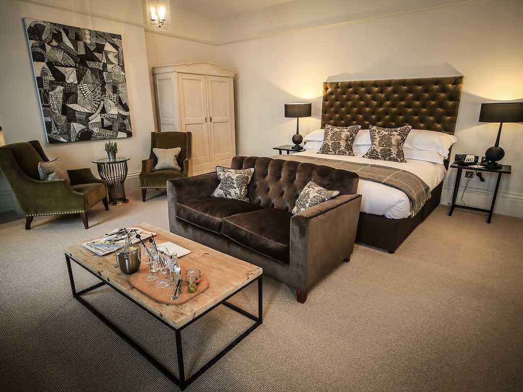 Indulgent room, Kings Head Hotel (Cirencester)