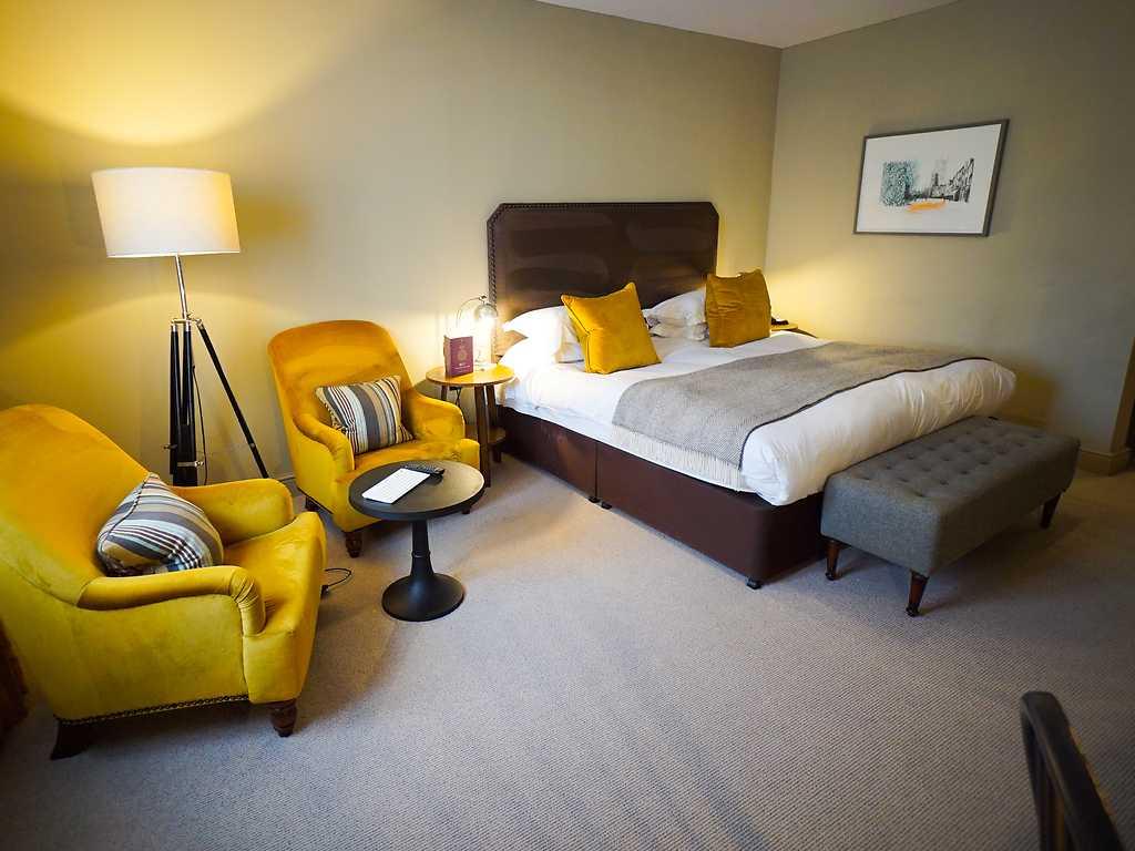 Classic room, Kings Head Hotel (Cirencester)