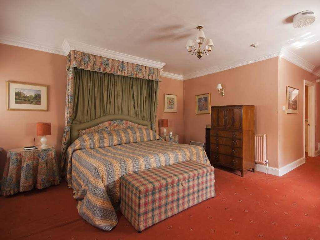 Classic room, Corse Lawn House Hotel