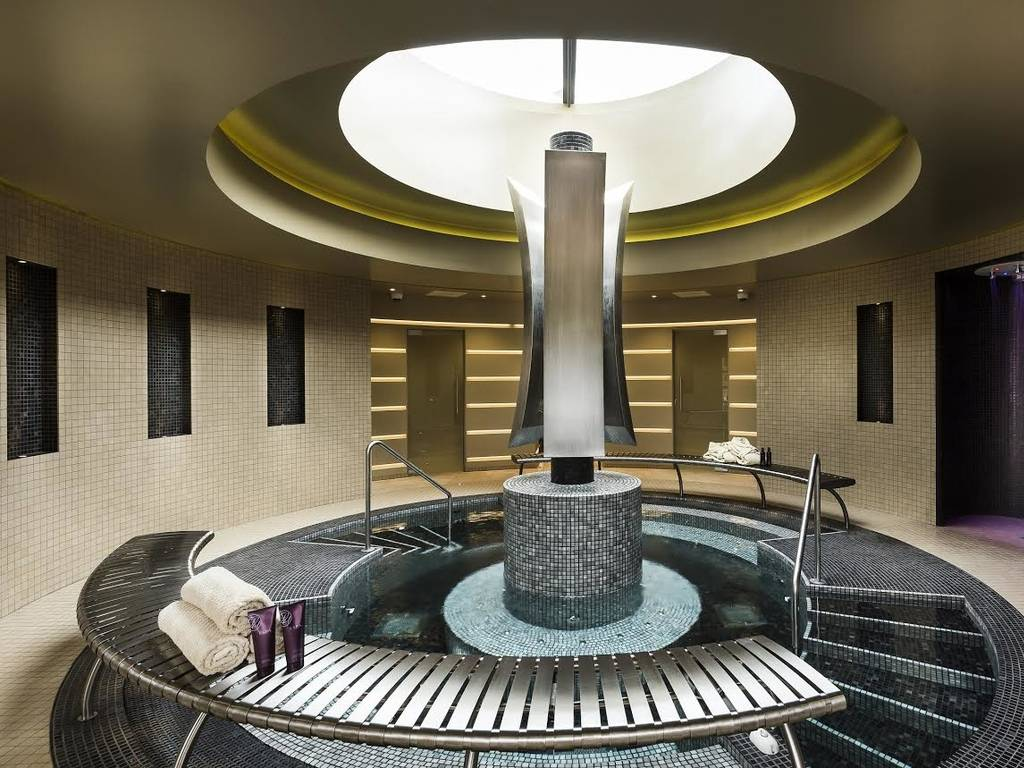 The Eden Spa spa, Down Hall