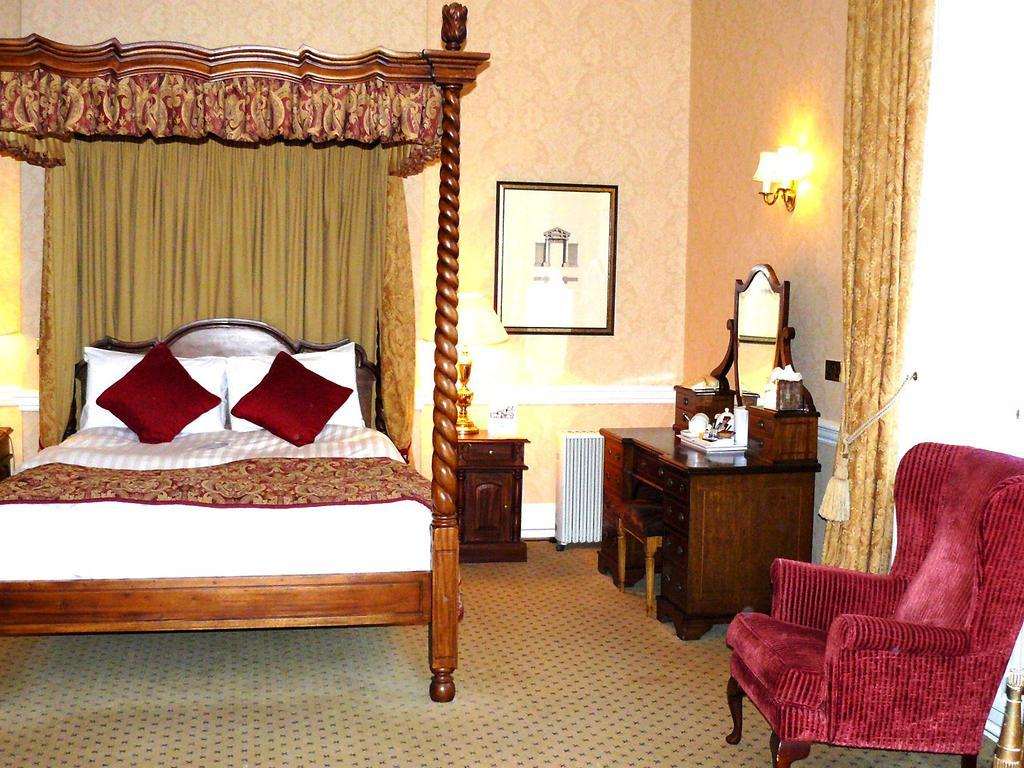 Dumbleton Hall Room And Bedroom Information Gallery Of