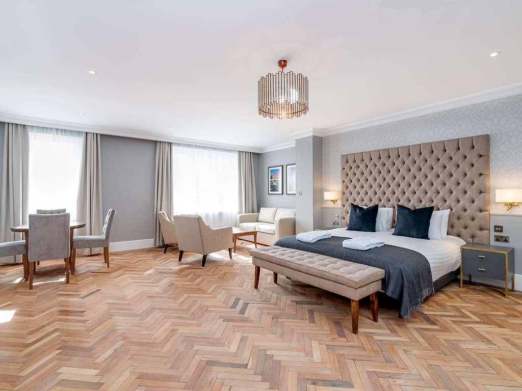 Suite room, Easthampstead Park
