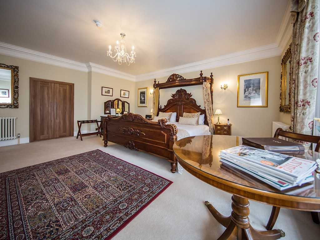 Luxury Emperor room, Goldsborough Hall