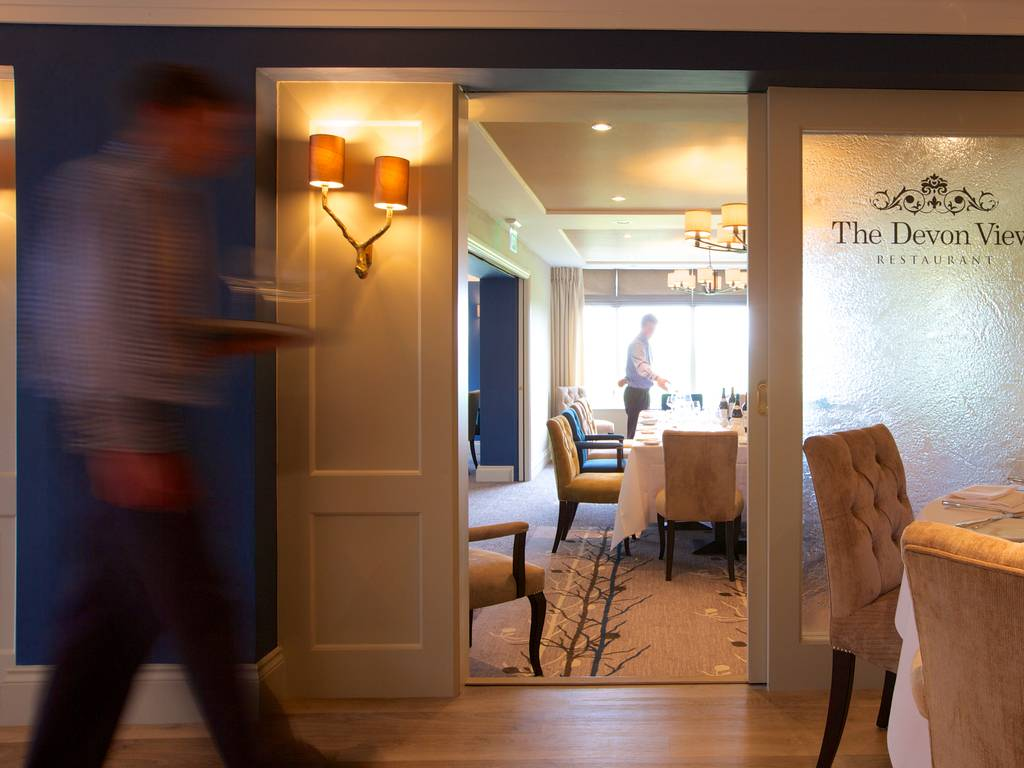The Devon View Restaurant restaurant, Highbullen Hotel