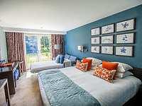 room, Hogarths Hotel