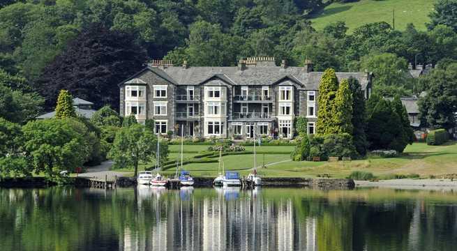 Inn on the Lake