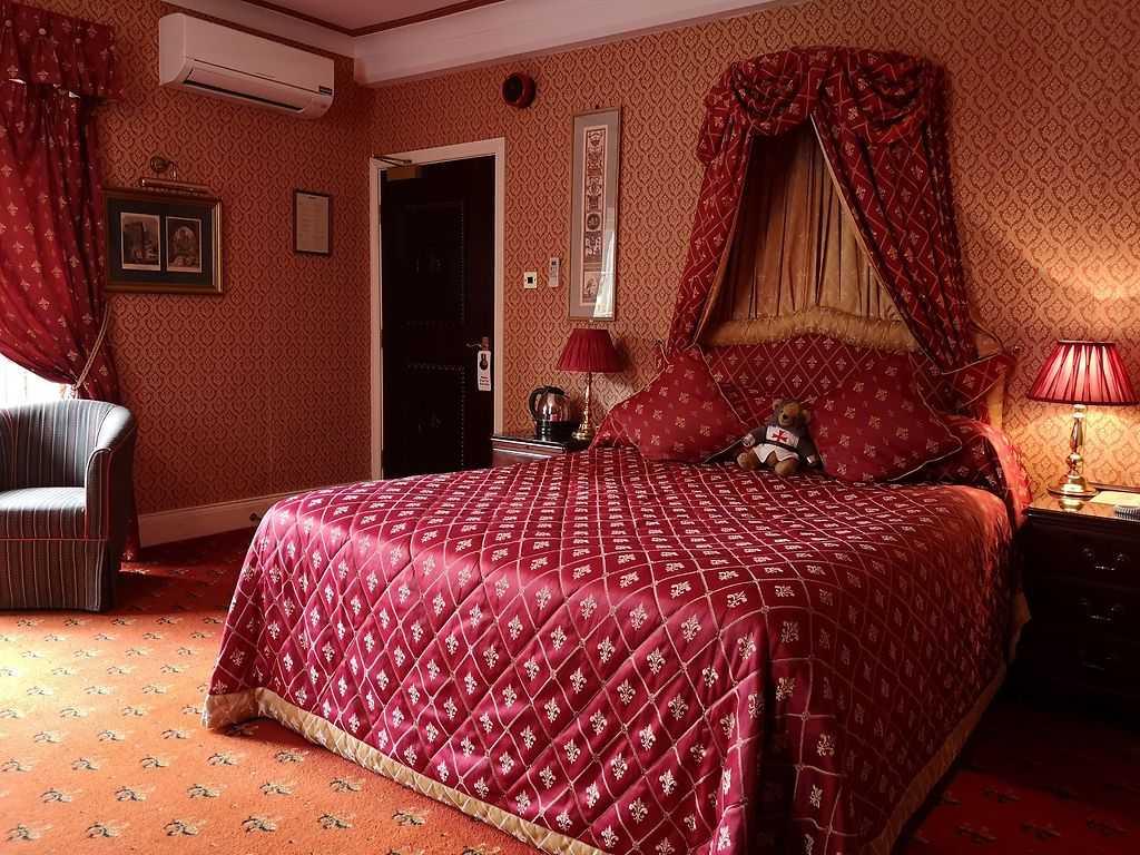 Castle View Lodge room, Langley Castle