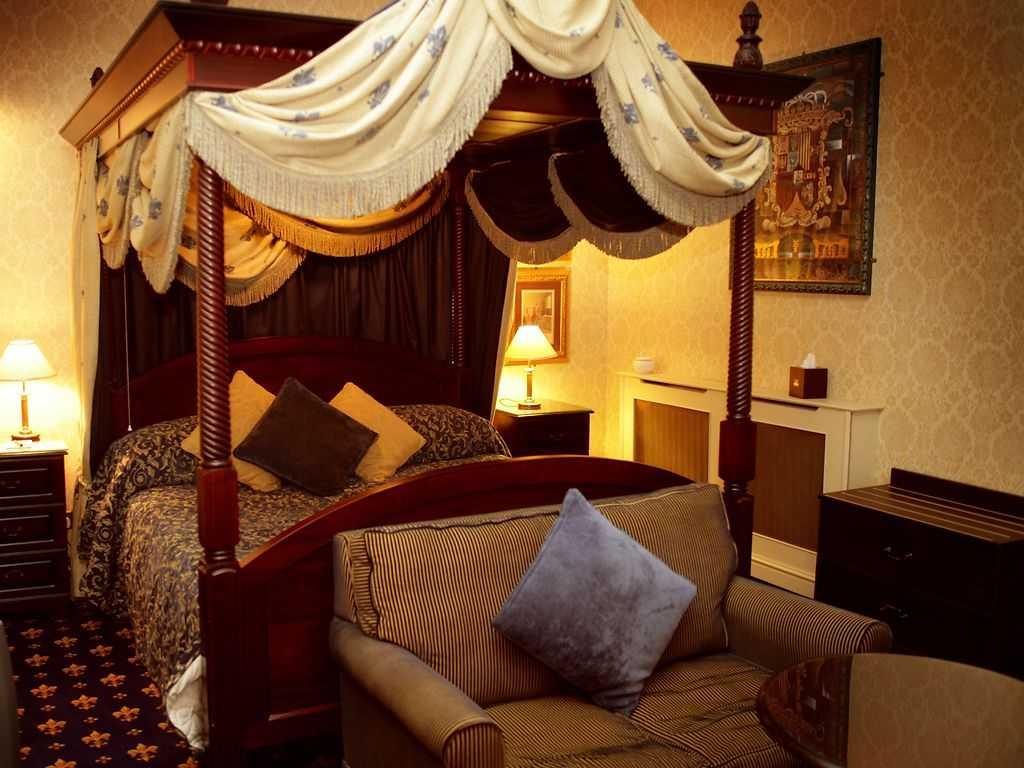 Deluxe room, Langley Castle