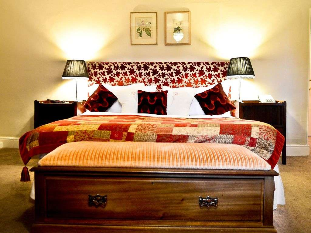 Deluxe Kingsize room, Lewtrenchard Manor