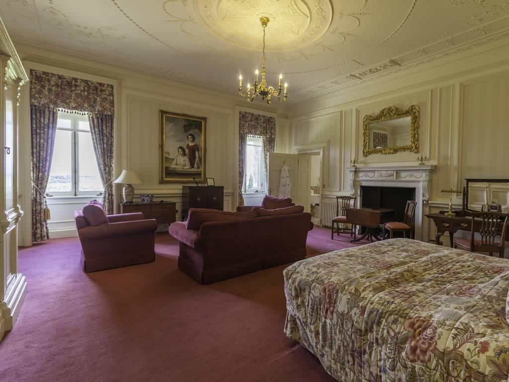 luton hoo hotel golf spa room and bedroom information. Black Bedroom Furniture Sets. Home Design Ideas