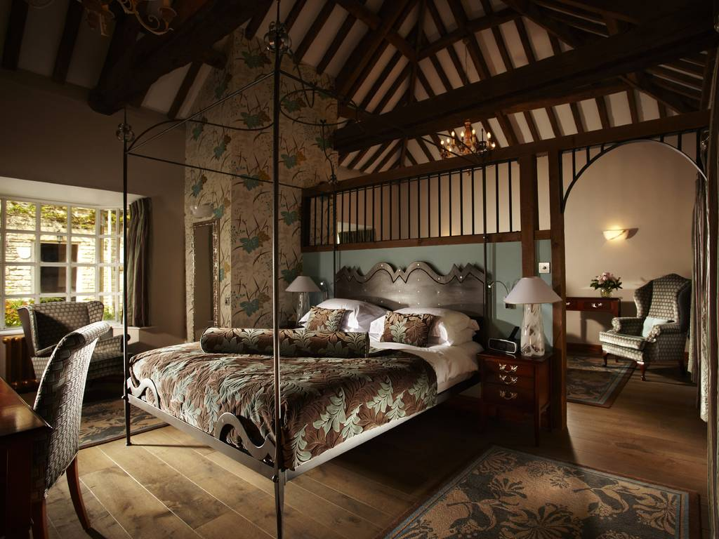 Rooms: Manor House, Castle Combe Room And Bedroom Information