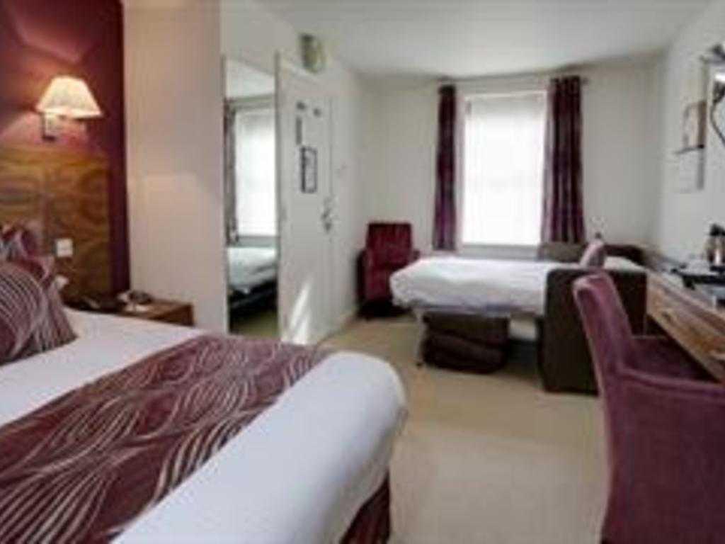 Family room, Mosborough Hall Hotel