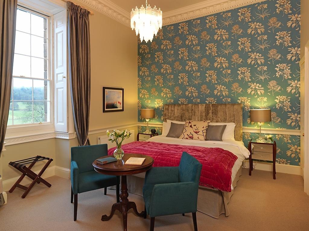Mansion Luxury Suites room, Nanteos Mansion
