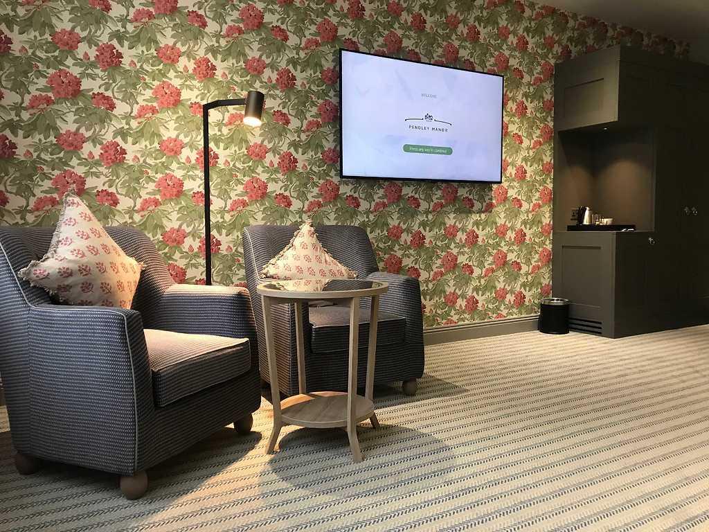 Junior room, Pendley Manor