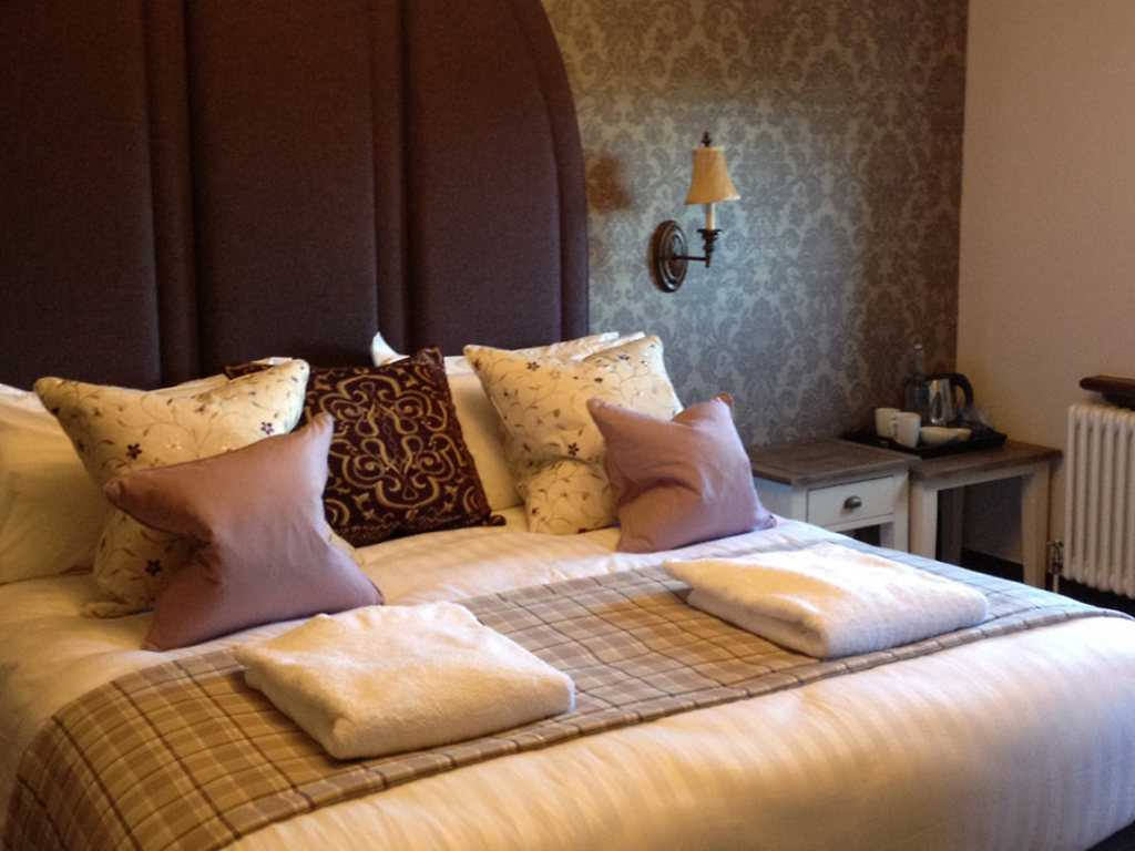 Deluxe room, Stanbrook Abbey