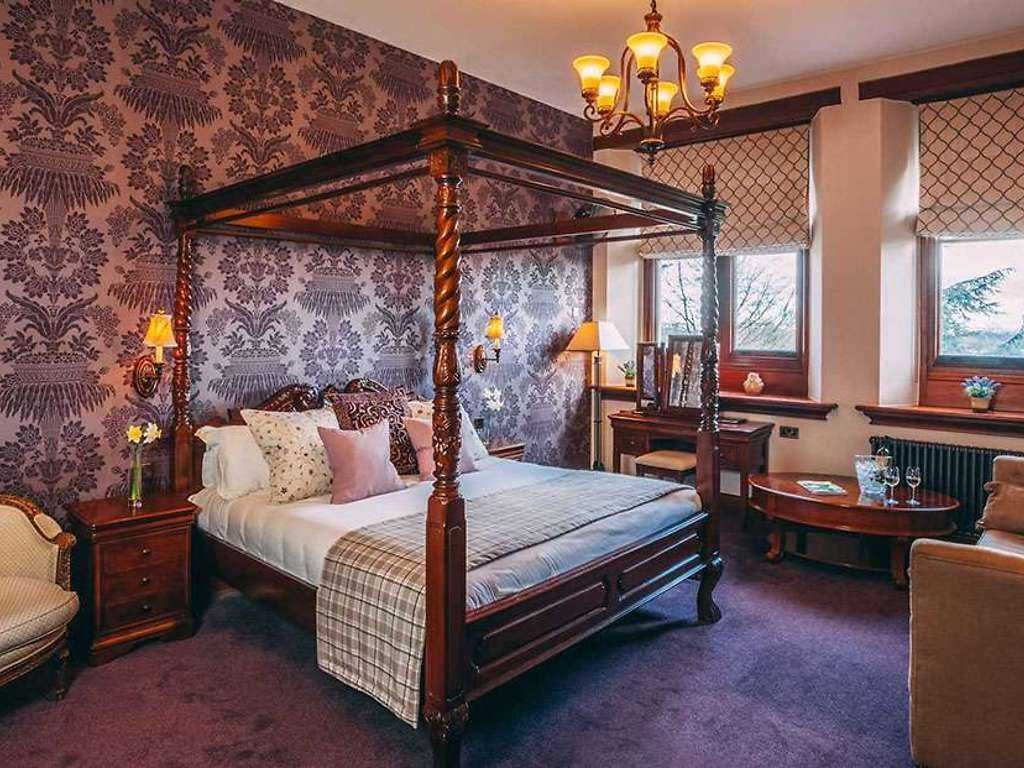 Four Poster room, Stanbrook Abbey Hotel
