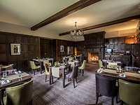Henry's Restaurant restaurant, Stonehouse Court