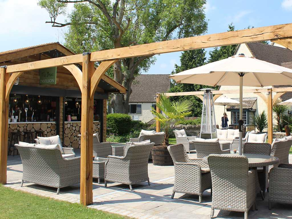 The Pavilion Garden Bar restaurant, The Bear of Rodborough Hotel