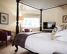 Very Good Four Poster room, The Bear of Rodborough Hotel