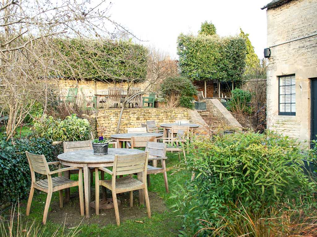 Beer and Cider Garden restaurant, The Wheatsheaf Inn