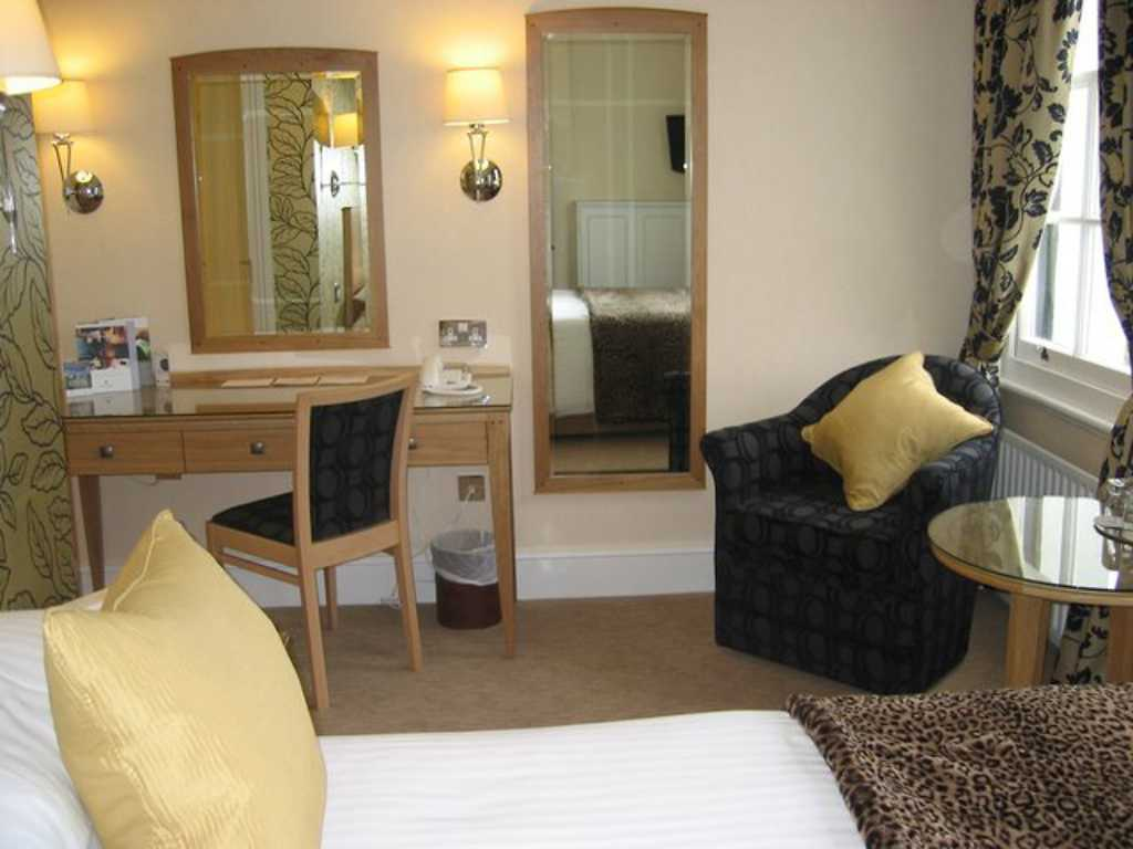 Executive room, West Lodge Park Hotel