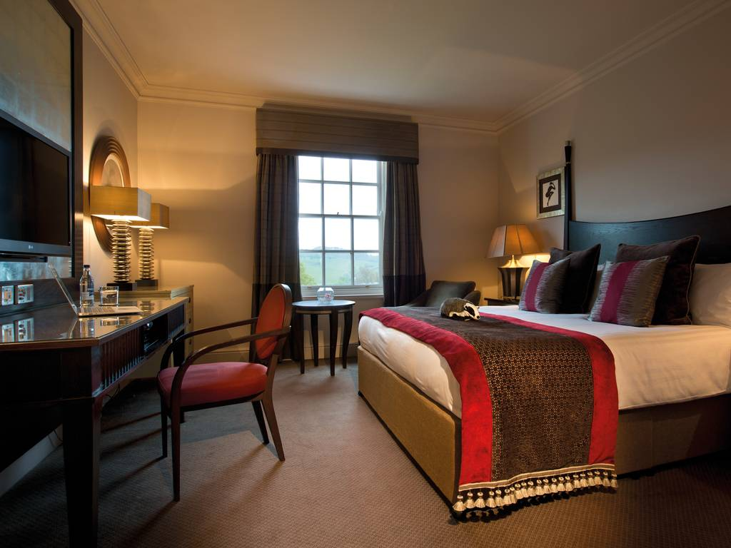 Rooms: Wood Hall Hotel & Spa Room And Bedroom Information, Gallery Of Pictures