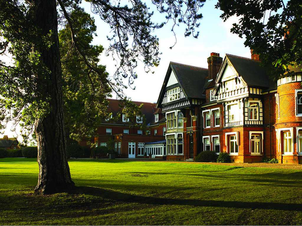 Facilities and things to do at Woodlands Park Hotel and ...