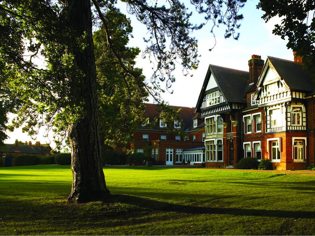 Woodlands Park Hotel In South East England And Cobham