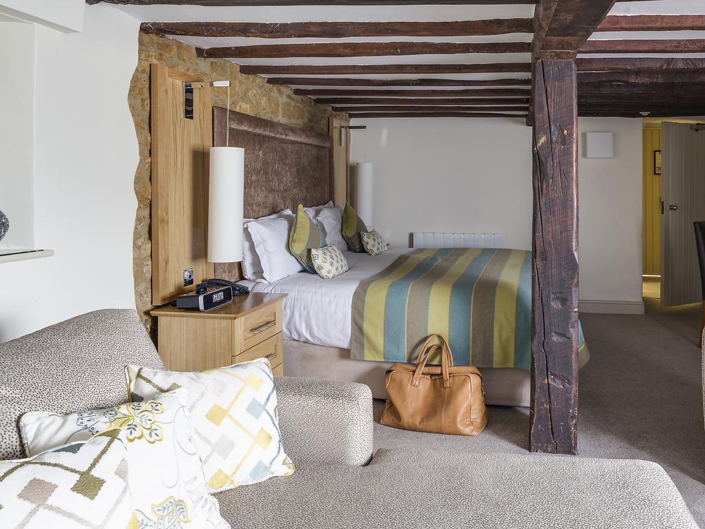 Superior room, Wroxton House